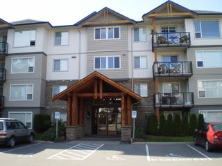 """Photo 1: 202 2955 DIAMOND Crescent in Abbotsford: Abbotsford West Condo for sale in """"Westwood"""" : MLS®# F2923442"""