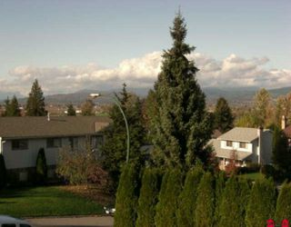 "Photo 10: 3654 HURST Crescent in Abbotsford: Abbotsford East House for sale in ""ROBERT BATEMAN PARK"" : MLS®# F2923718"