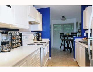 Photo 2: 6 65 FOXWOOD Drive in Port Moody: Heritage Mountain Townhouse for sale : MLS®# V798179