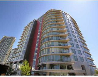 "Photo 1: 706 980 COOPERAGE Way in Vancouver: False Creek North Condo for sale in ""COOPER POINTE"" (Vancouver West)  : MLS®# V803926"