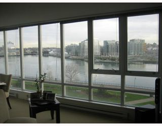 """Photo 4: 706 980 COOPERAGE Way in Vancouver: False Creek North Condo for sale in """"COOPER POINTE"""" (Vancouver West)  : MLS®# V803926"""