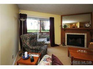 Photo 4: 101 1234 Fort St in VICTORIA: Vi Downtown Condo for sale (Victoria)  : MLS®# 529036