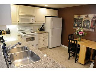 """Photo 3: 401 5650 OAK Street in Vancouver: Cambie Condo for sale in """"BLOOMFIELD GARDENS"""" (Vancouver West)  : MLS®# V837482"""