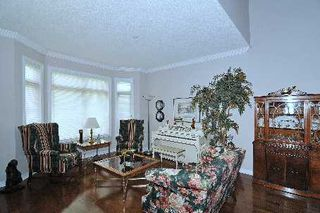 Photo 4: 52 Angus Meadow Drive in Markham: House (3-Storey) for sale (N11: LOCUST HIL)  : MLS®# N1942514