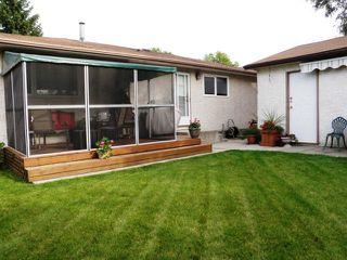 Photo 9: 15 SALISBURY Crescent in WINNIPEG: Fort Garry / Whyte Ridge / St Norbert Residential for sale (South Winnipeg)  : MLS®# 1019491