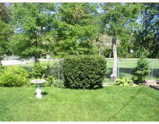 Photo 9: 1208 DE GRAFF Place in WINNIPEG: North Kildonan Residential for sale (North East Winnipeg)  : MLS®# 2811523