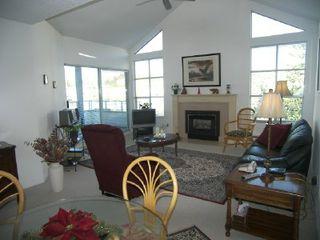 """Photo 3: 303 15131 BUENA VISTA Avenue in White_Rock: White Rock Condo for sale in """"BAY POINTE"""" (South Surrey White Rock)  : MLS®# F2831913"""