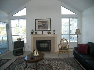 """Photo 4: 303 15131 BUENA VISTA Avenue in White_Rock: White Rock Condo for sale in """"BAY POINTE"""" (South Surrey White Rock)  : MLS®# F2831913"""