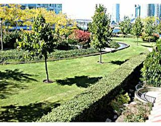 "Photo 3: 402 525 WHEELHOUSE Square in Vancouver: False Creek Condo for sale in ""HENLEY COURT"" (Vancouver West)  : MLS®# V749572"