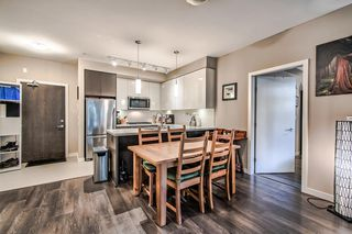 """Photo 7: 122 22 E ROYAL Avenue in New Westminster: Fraserview NW Condo for sale in """"THE LOOKOUT at Victoria Hill"""" : MLS®# R2413320"""