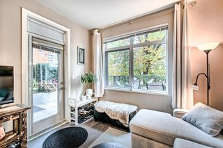 """Photo 5: 122 22 E ROYAL Avenue in New Westminster: Fraserview NW Condo for sale in """"THE LOOKOUT at Victoria Hill"""" : MLS®# R2413320"""