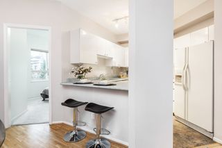 "Photo 8: 106 150 W 22ND Street in North Vancouver: Central Lonsdale Condo for sale in ""The Sierra"" : MLS®# R2418794"