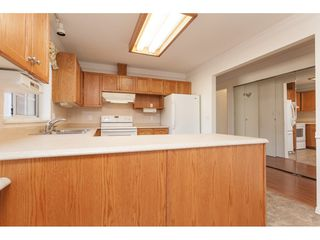 """Photo 12: 229 14861 98 Avenue in Surrey: Guildford Townhouse for sale in """"The Mansions"""" (North Surrey)  : MLS®# R2420716"""