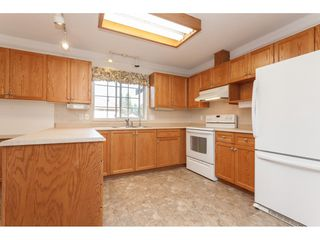"""Photo 9: 229 14861 98 Avenue in Surrey: Guildford Townhouse for sale in """"The Mansions"""" (North Surrey)  : MLS®# R2420716"""