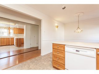 """Photo 13: 229 14861 98 Avenue in Surrey: Guildford Townhouse for sale in """"The Mansions"""" (North Surrey)  : MLS®# R2420716"""