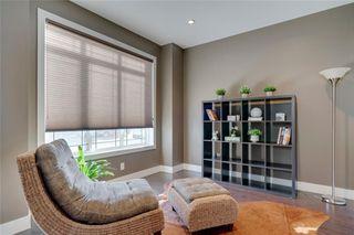 Photo 5: 206 20 Avenue NW in Calgary: Tuxedo Park Semi Detached for sale : MLS®# C4289673