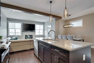 Photo 10: 206 20 Avenue NW in Calgary: Tuxedo Park Semi Detached for sale : MLS®# C4289673