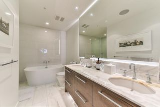 """Photo 10: 706 1501 VIDAL Street: White Rock Condo for sale in """"Beverley"""" (South Surrey White Rock)  : MLS®# R2447891"""