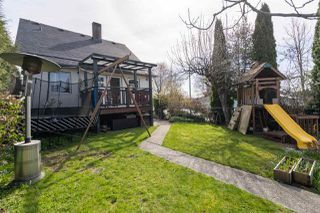 "Photo 19: 2795 NANAIMO Street in Vancouver: Grandview Woodland House for sale in ""COMMERCIAL DRIVE"" (Vancouver East)  : MLS®# R2450158"