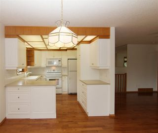 Photo 13: 117 NOTTINGHAM Boulevard W: Sherwood Park House Half Duplex for sale : MLS®# E4197998