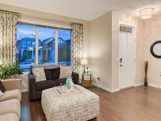 Photo 4: 142 MARQUIS Common SE in Calgary: Mahogany Detached for sale : MLS®# C4302739