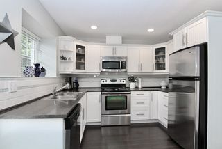 """Photo 3: 26 23085 118 Avenue in Maple Ridge: East Central Townhouse for sale in """"SOMMERVILLE GARDENS"""" : MLS®# R2470060"""