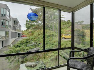 Photo 5: 316 1433 Faircliff Lane in Victoria: Vi Fairfield West Condo for sale : MLS®# 839316