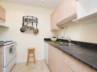 Photo 12: 316 1433 Faircliff Lane in Victoria: Vi Fairfield West Condo Apartment for sale : MLS®# 839316
