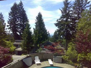 Photo 3: 282 MONTROYAL Boulevard in North Vancouver: Upper Delbrook House for sale : MLS®# R2526188