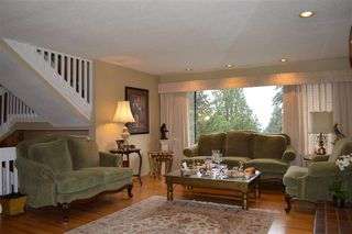 Photo 4: 282 MONTROYAL Boulevard in North Vancouver: Upper Delbrook House for sale : MLS®# R2526188