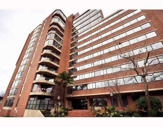 "Photo 10: 1107 1450 PENNYFARTHING Drive in Vancouver: False Creek Condo for sale in ""HARBOUR COVE"" (Vancouver West)  : MLS®# V810158"