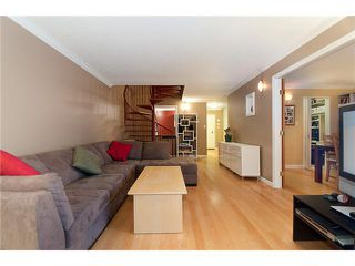 """Photo 5: 109/ 1710 W 13TH Avenue in Vancouver: Fairview VW Condo for sale in """"PINE RIDGE"""" (Vancouver West)  : MLS®# V865435"""