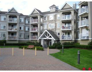 """Photo 2: 304 20896 57TH Avenue in Langley: Langley City Condo for sale in """"BAYBERRY LANE II"""" : MLS®# F2824978"""