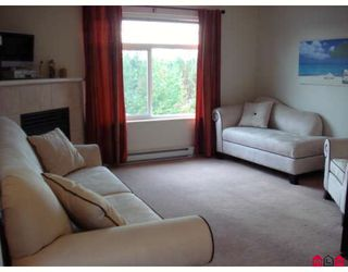 """Photo 6: 304 20896 57TH Avenue in Langley: Langley City Condo for sale in """"BAYBERRY LANE II"""" : MLS®# F2824978"""