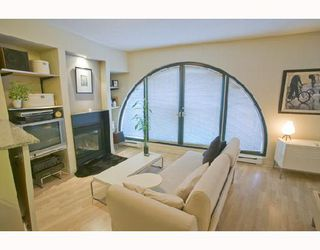 "Photo 2: 207 55 ALEXANDER Street in Vancouver: Downtown VE Condo for sale in ""GASTOWN"" (Vancouver East)  : MLS®# V745072"