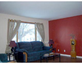 Photo 4: 280 INGLEWOOD Street in WINNIPEG: St James Residential for sale (West Winnipeg)  : MLS®# 2803532