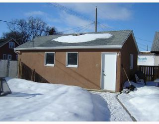 Photo 3: 280 INGLEWOOD Street in WINNIPEG: St James Residential for sale (West Winnipeg)  : MLS®# 2803532