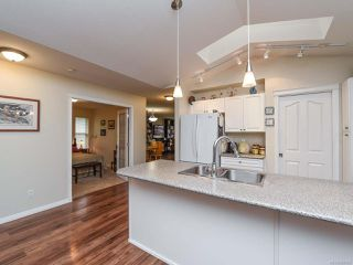 Photo 12: 110 2077 St Andrews Way in COURTENAY: CV Courtenay East Row/Townhouse for sale (Comox Valley)  : MLS®# 825107