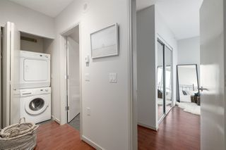 "Photo 11: 3006 1068 HORNBY Street in Vancouver: Downtown VW Condo for sale in ""THE CANADIAN AT WALL CENTRE"" (Vancouver West)  : MLS®# R2427122"