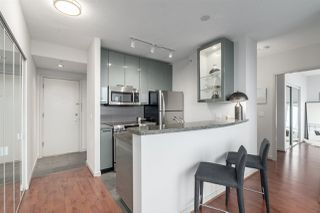 "Photo 4: 3006 1068 HORNBY Street in Vancouver: Downtown VW Condo for sale in ""THE CANADIAN AT WALL CENTRE"" (Vancouver West)  : MLS®# R2427122"