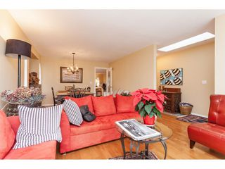 Photo 4: 14079 16 Avenue in Surrey: Sunnyside Park Surrey House for sale (South Surrey White Rock)  : MLS®# R2430211