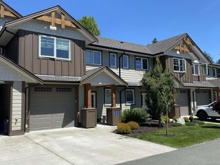 Photo 1: 26 2030 Wallace Ave in COMOX: CV Comox (Town of) Row/Townhouse for sale (Comox Valley)  : MLS®# 840731