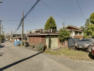 """Photo 8: 2796 E 4TH Avenue in Vancouver: Renfrew VE House for sale in """"Renfrew Heights"""" (Vancouver East)  : MLS®# R2496647"""