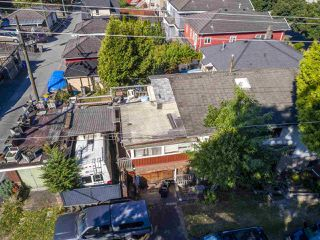 """Photo 9: 2796 E 4TH Avenue in Vancouver: Renfrew VE House for sale in """"Renfrew Heights"""" (Vancouver East)  : MLS®# R2496647"""