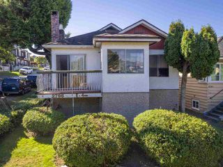 """Photo 1: 2796 E 4TH Avenue in Vancouver: Renfrew VE House for sale in """"Renfrew Heights"""" (Vancouver East)  : MLS®# R2496647"""