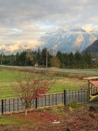 Photo 3: A 5541 LOUGHEED Highway: Agassiz House for sale : MLS®# R2518311