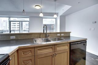 Photo 8: 605 836 15 Avenue SW in Calgary: Beltline Apartment for sale : MLS®# A1050450