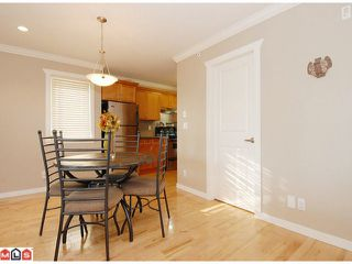 "Photo 4: 5 14921 THRIFT Avenue: White Rock Townhouse for sale in ""NICOLE PLACE"" (South Surrey White Rock)  : MLS®# F1025156"