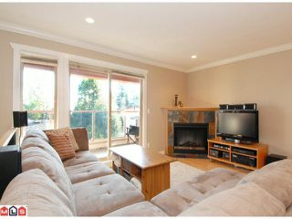 "Photo 3: 5 14921 THRIFT Avenue: White Rock Townhouse for sale in ""NICOLE PLACE"" (South Surrey White Rock)  : MLS®# F1025156"