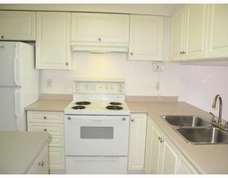 """Photo 3: 207 189 E 16TH Avenue in Vancouver: Mount Pleasant VE Condo for sale in """"CARTIER PLACE II"""" (Vancouver East)  : MLS®# V763755"""